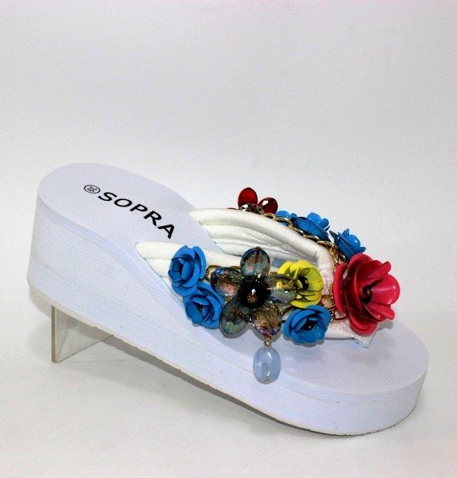 В'єтнамки білі на танкетці з квітами