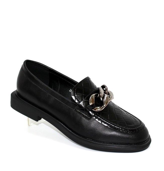 Модне жіноче взуття туфлі лофери з ланцюгом