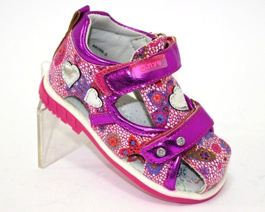 Босоніжки для дівчаток - красива яскрава взуття для дітей