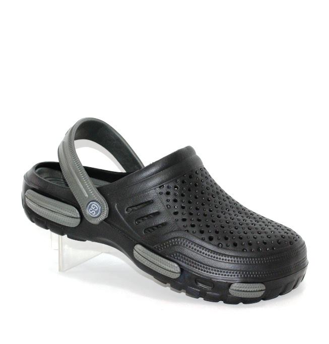 Мужские кроксы - обувь для пляжа