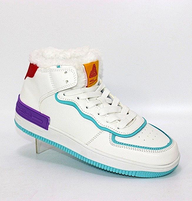 Купить зимние кроссовки STILLI. Женская обувь - Туфелек