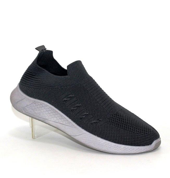 Недорогие мужские кроссовки из трикотажа