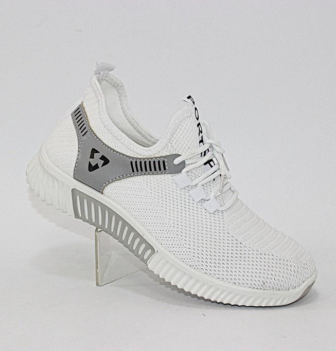 Білі літні кросівки жіночі