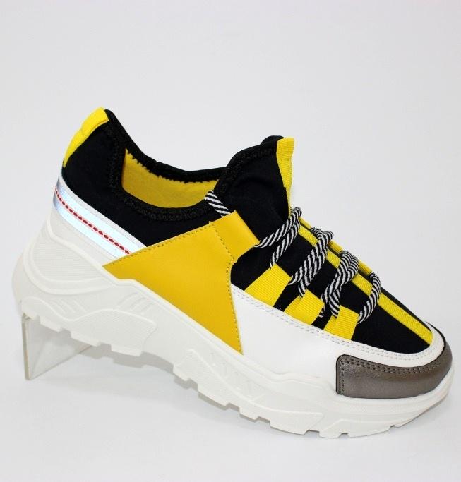 Красивые чёрно жёлтые женские кроссовки