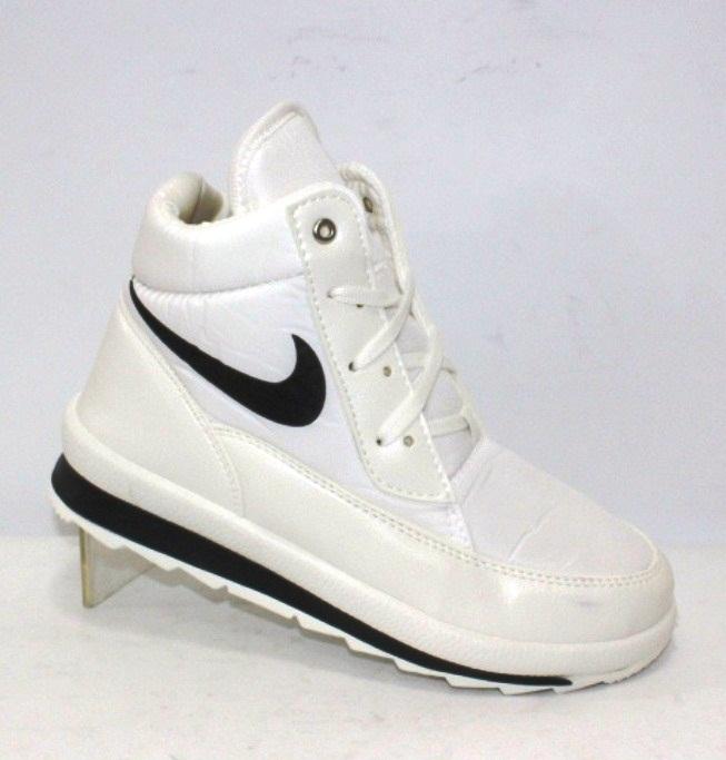 Спортивные белые и черные женские ботинки дутики с плащевки