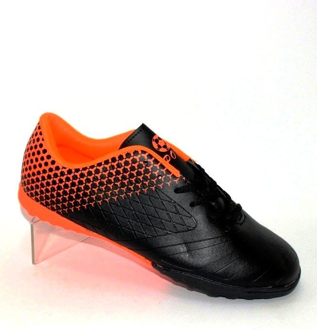 Чоловіча футбольна взуття міцна і недорога