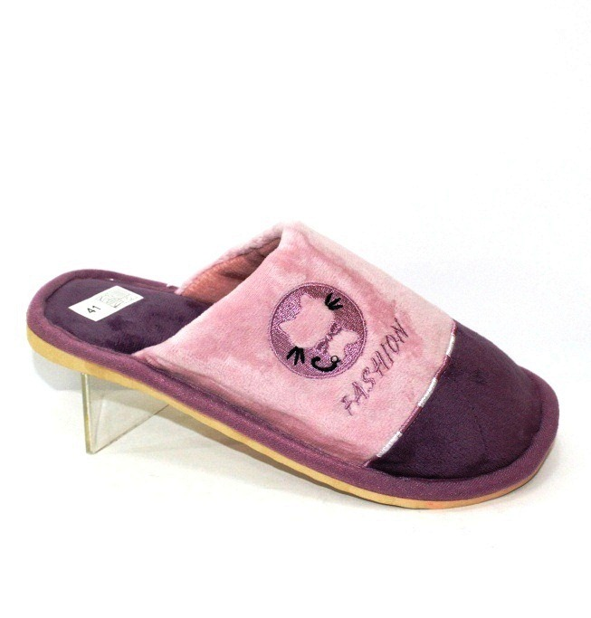 Велюрові жіночі тапочки бузкового кольору з вишивкою