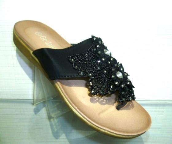 Женская летняя обувь - босоножки и шлепанцы дешево!