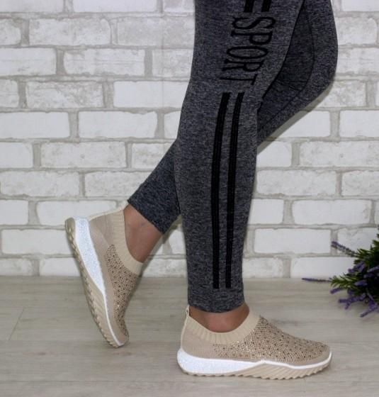 кросівки жіночі