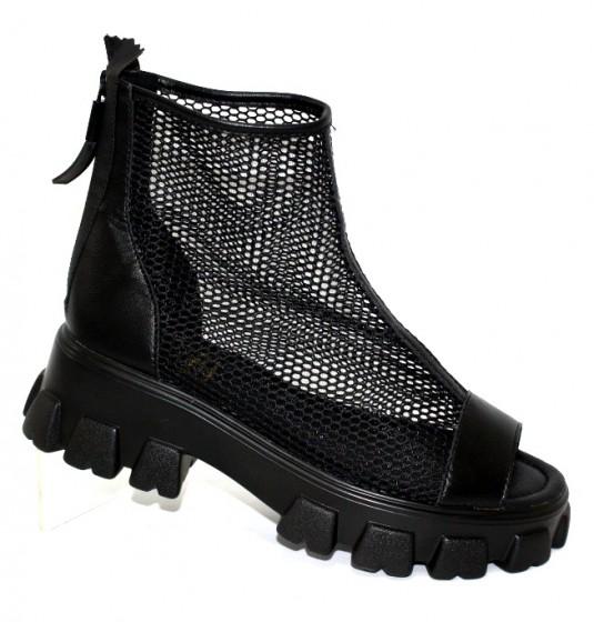 Літні чоботи і черевики