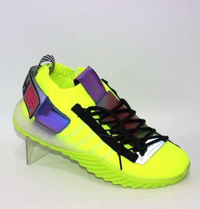 Яркие жёлтые женские кроссовки
