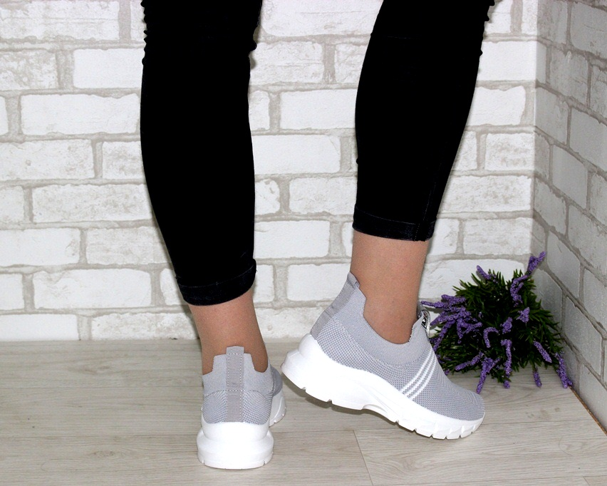 купить женские кроссовки 4